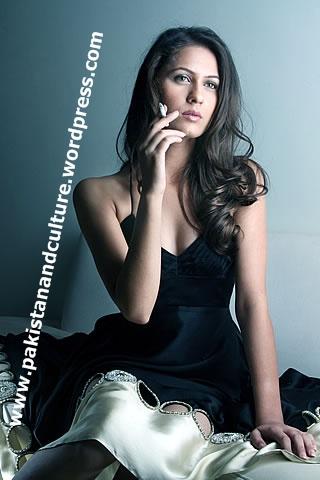 Pictures+of+hot+pakistani+drma+models+Nausheen-Shah