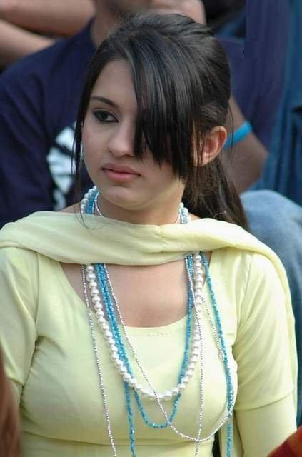 Pakistani Girl Picture  Pakistan And Pakistanis