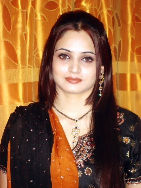 PAKISTANI GIRLS FOR MARRIAGE (2)
